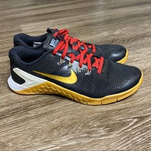 Women's Nike ID Metcon 4 Size 8.5 Black